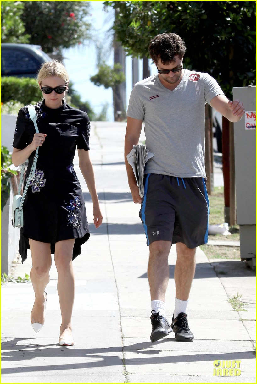 diane kruger hold hands after lunch 212874121
