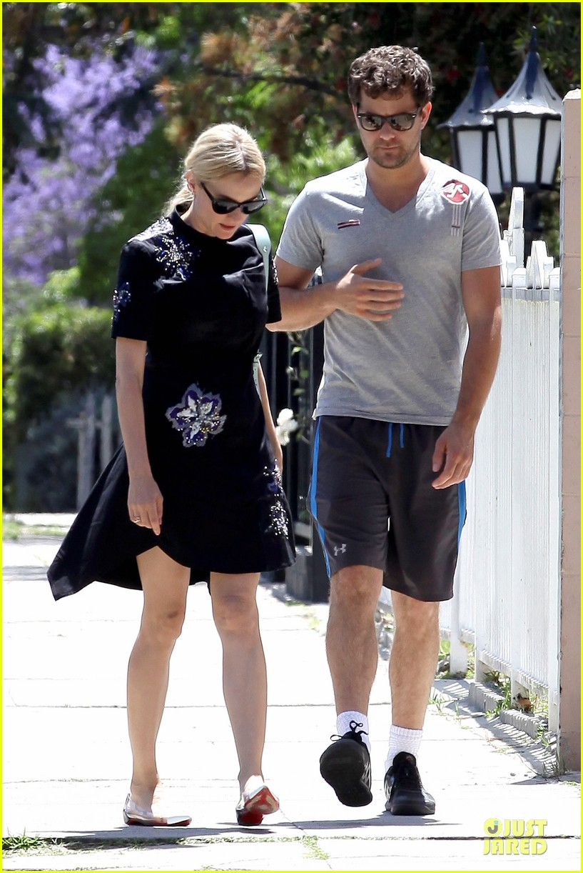diane kruger hold hands after lunch 222874122