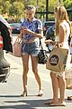 diane kruger shows off toned tummy at whole foods 05