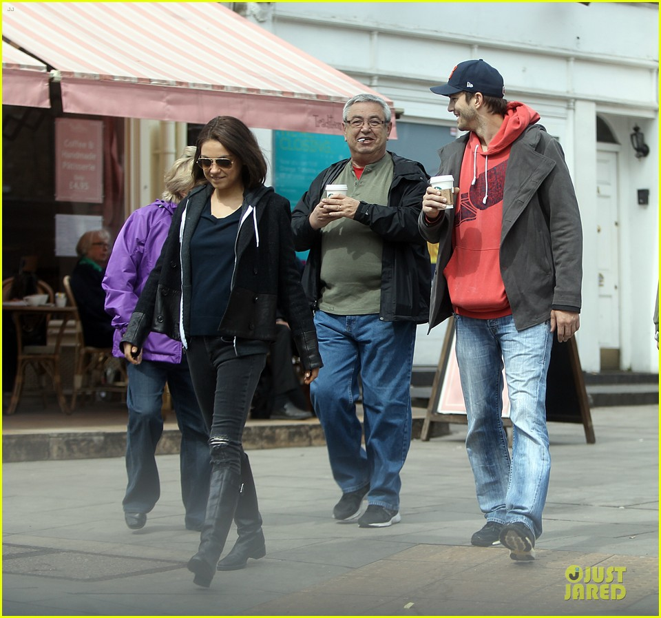 mila kunis ashton kutcher london coffee with the parents 232872780