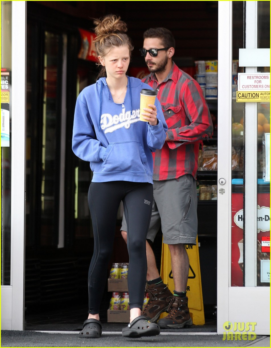 shia labeouf mia goth gas station coffee run 02