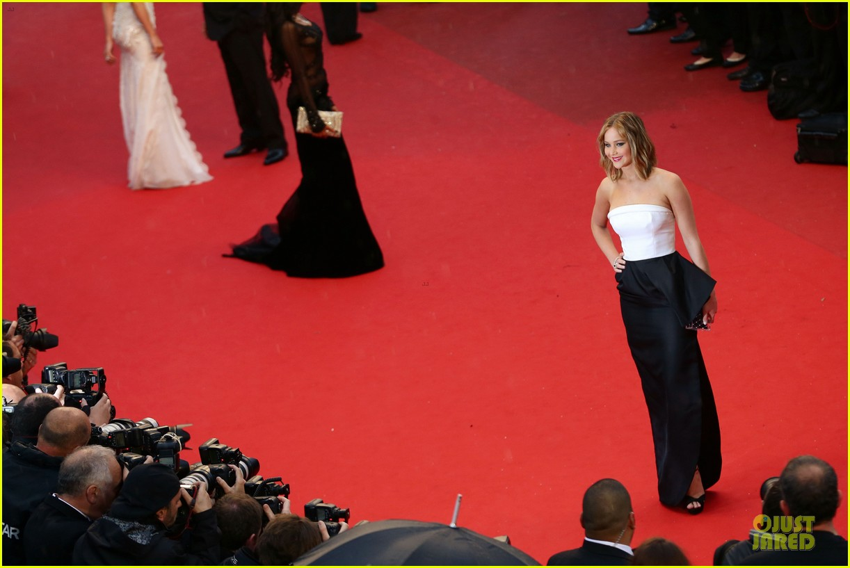 jennifer lawrence liam hemsworth jimmy p cannes premiere 14