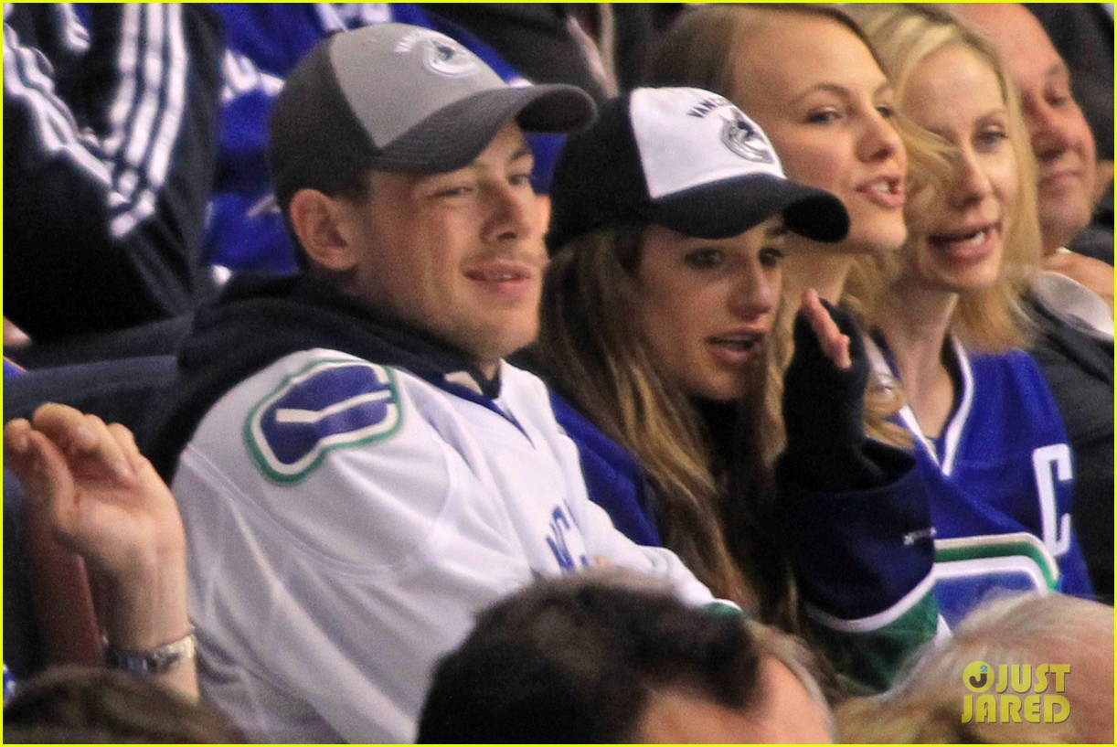 lea michele cory monteith cheer on the canucks 03