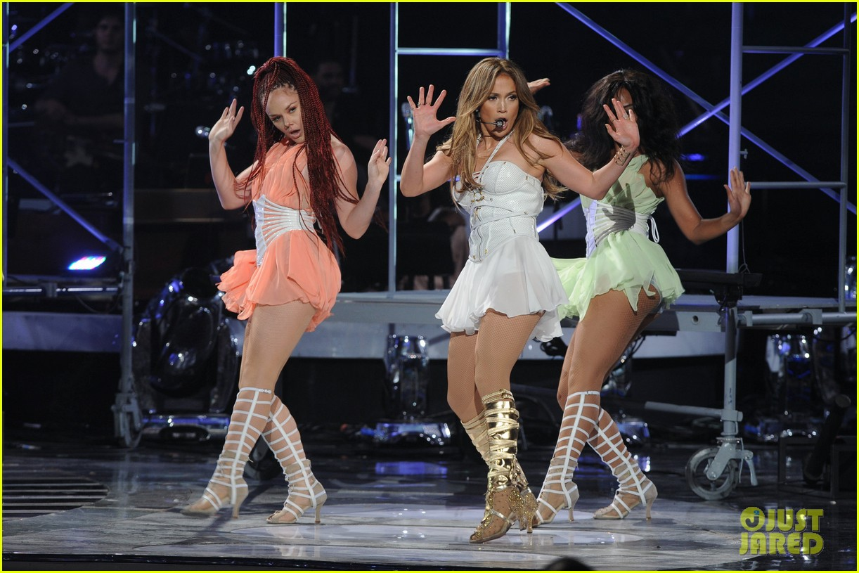 jennifer lopez american idol finale performance video 022872039