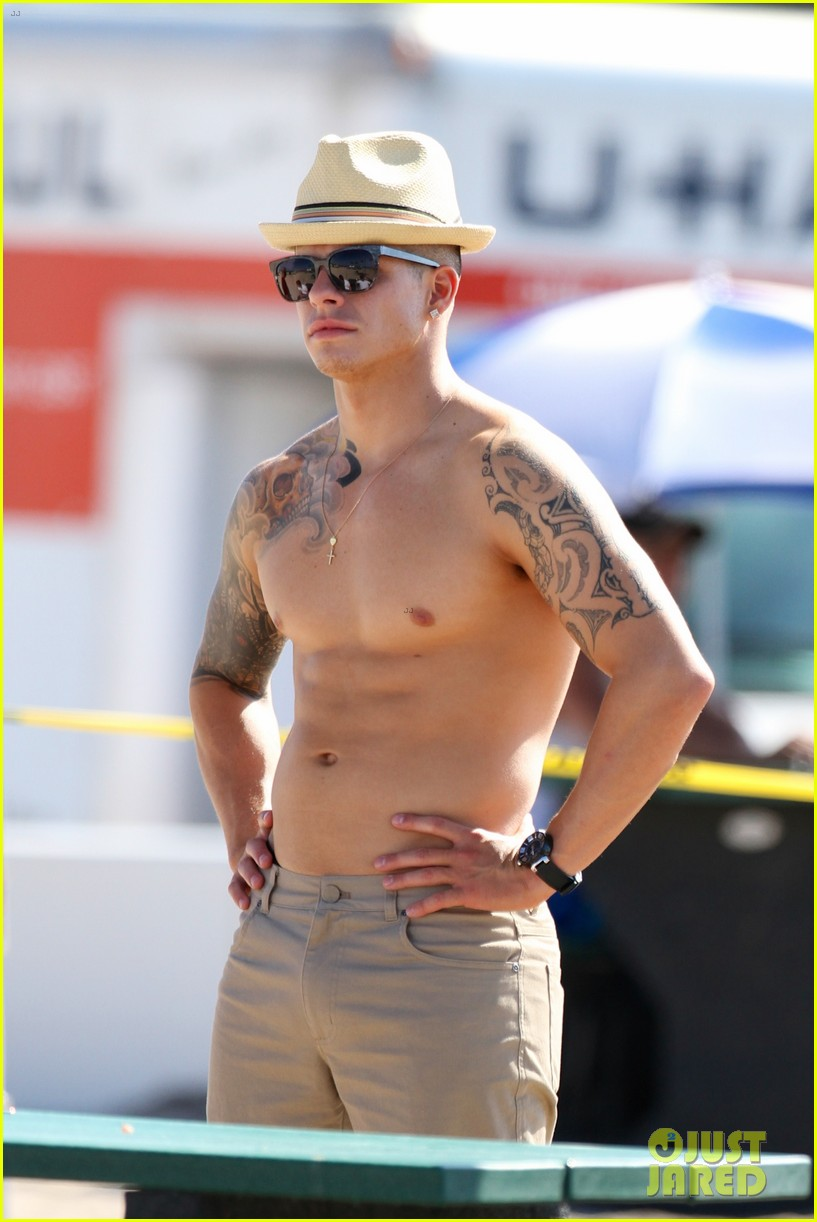 jennifer lopez music video set with shirtless casper smart 042864703