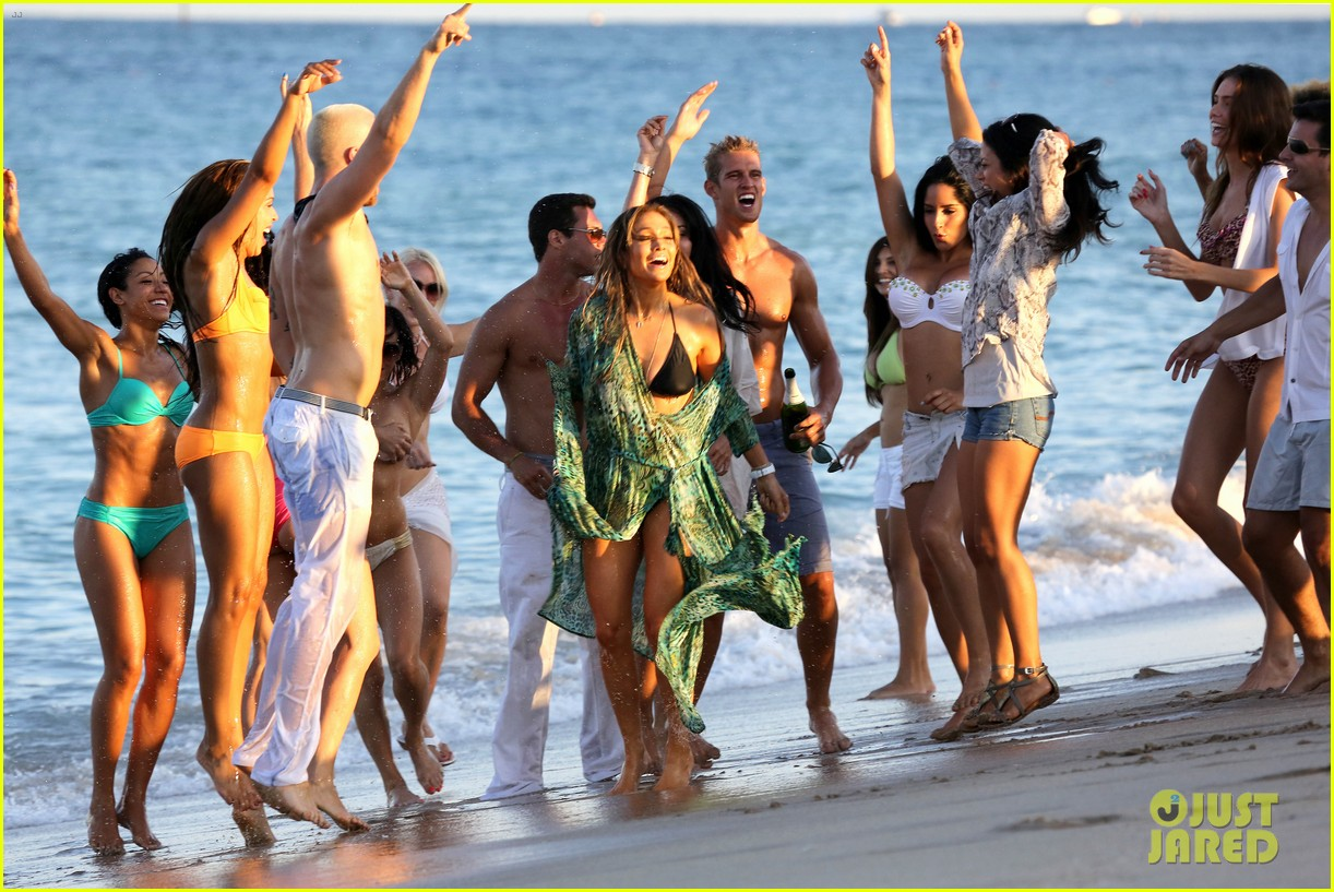 jennifer lopez music video set with shirtless casper smart 18