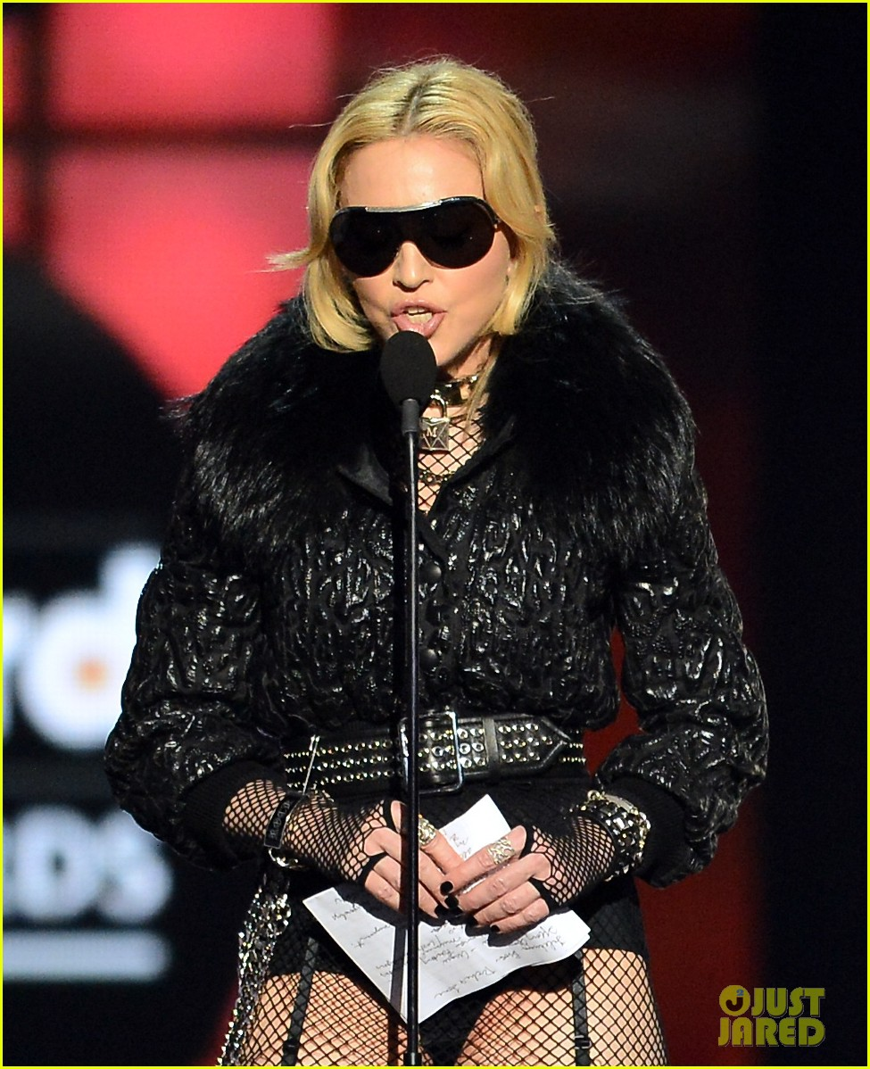 madonna billboard music awards 2013 with william 09