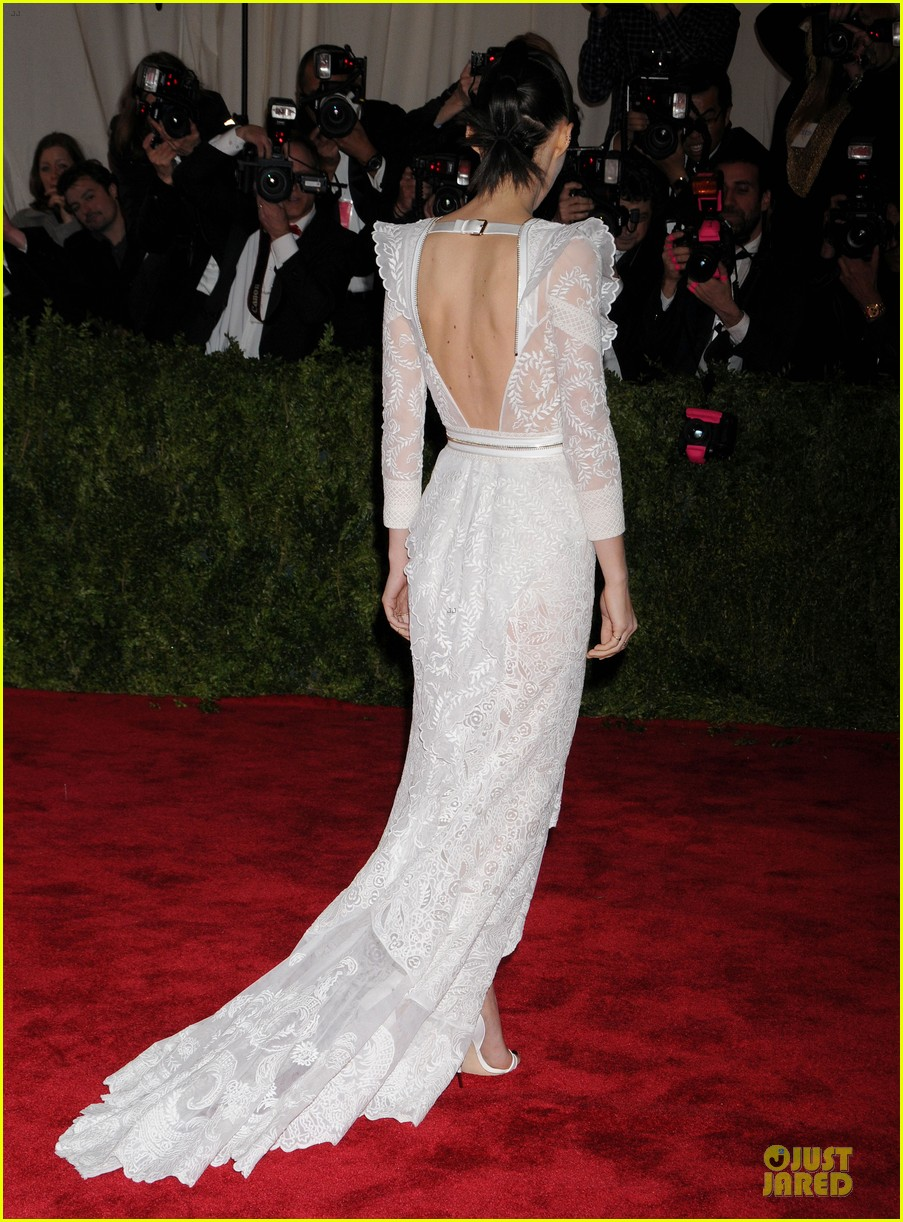 rooney mara met ball 2013 red carpet 05