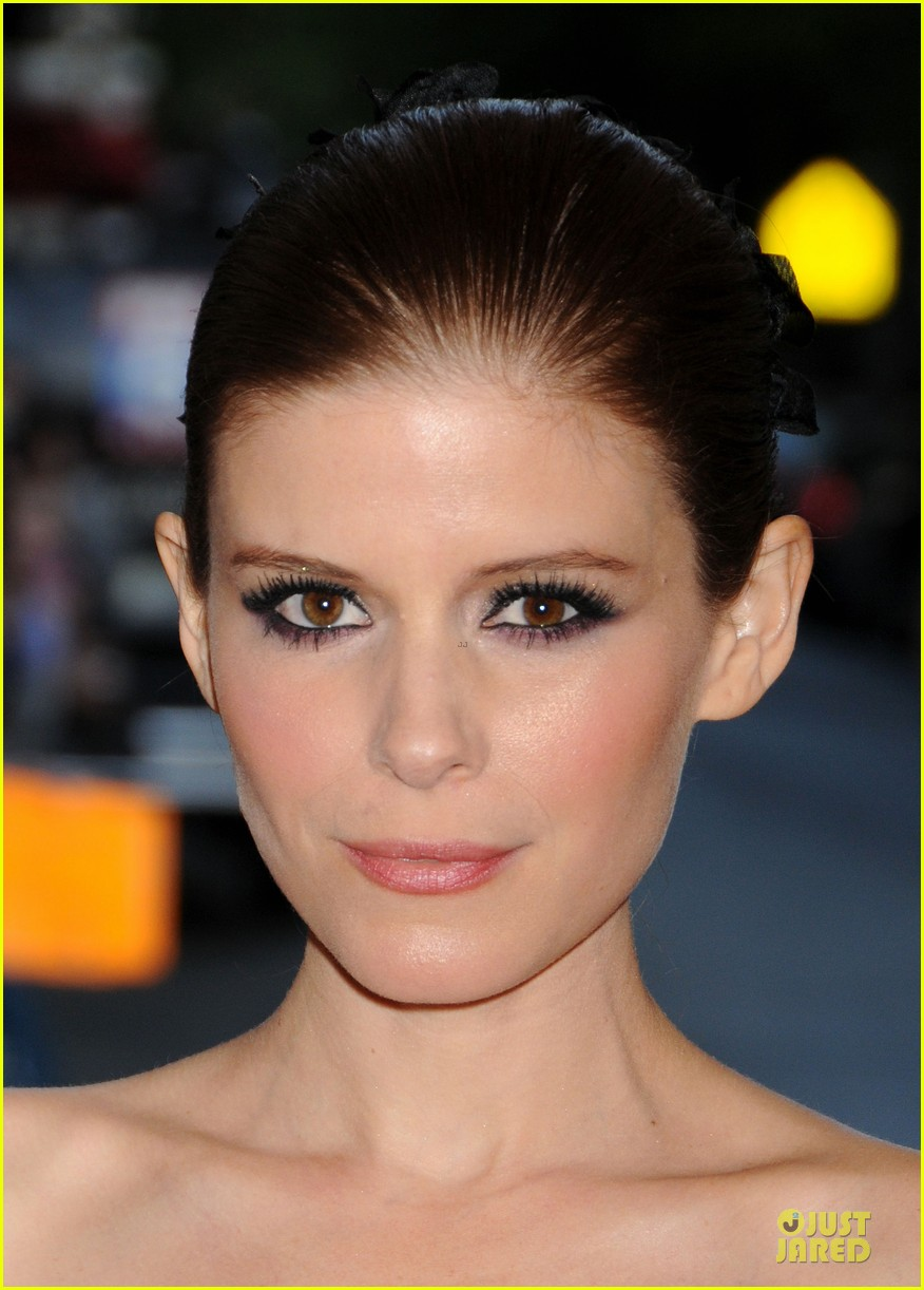 kate mara met ball 2013 red carpet 04