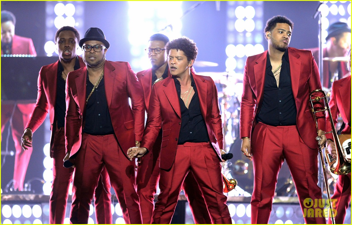 bruno mars billboard music awards 2013 performance video 12
