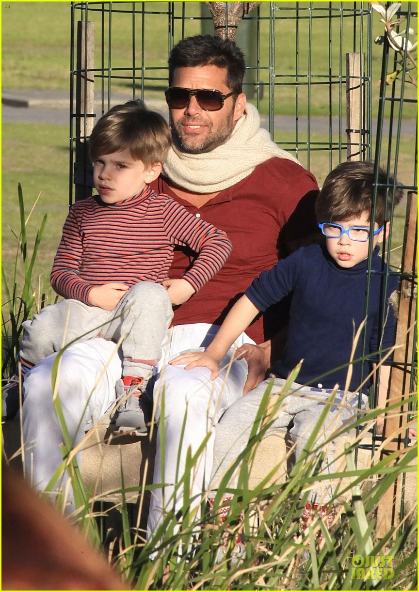 ricky martin bronte park with the twins 17