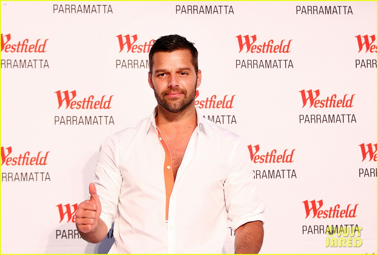 ricky martin meets fans at greatest hits event in australia 07