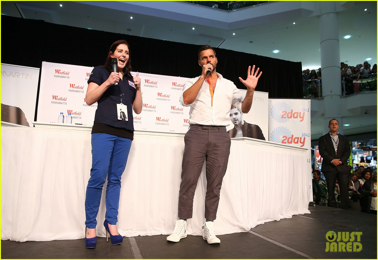 ricky martin meets fans at greatest hits event in australia 20