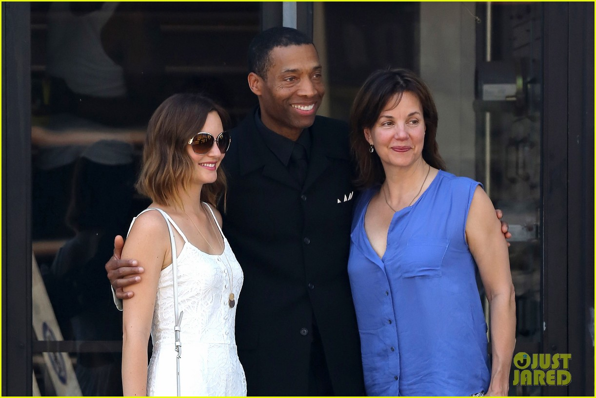 leighton meester mothers day with gossip girl mom 06