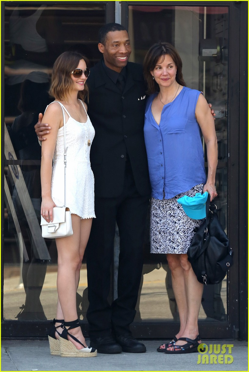 leighton meester mothers day with gossip girl mom 09