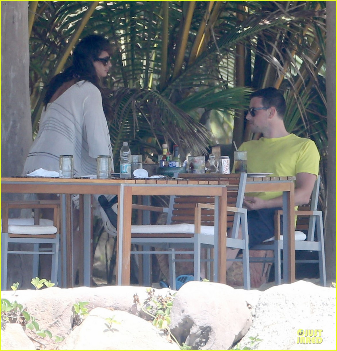 lea michele cory monteith beach lunch in mexico 182866196