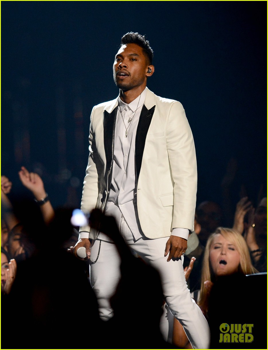 miguel billboard music awards 2013 performance video 032874250