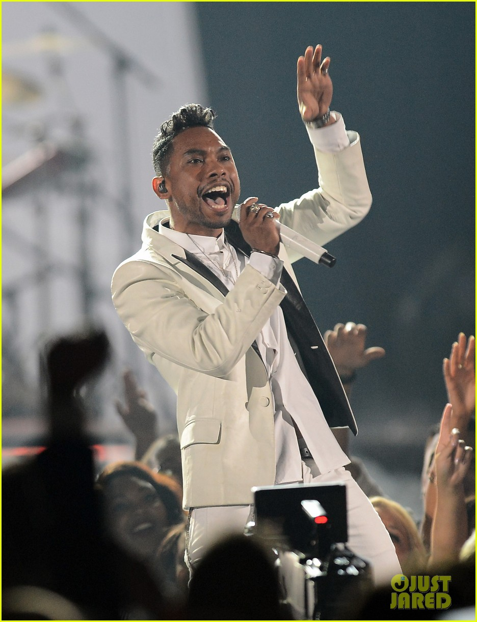 miguel billboard music awards 2013 performance video 042874251