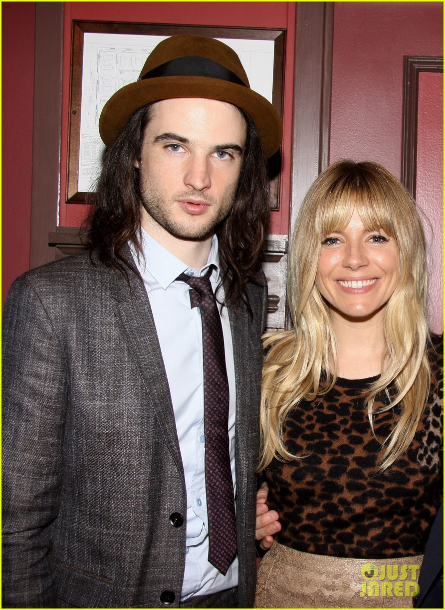 sienna miller tom sturridge outer critics circle awards 02