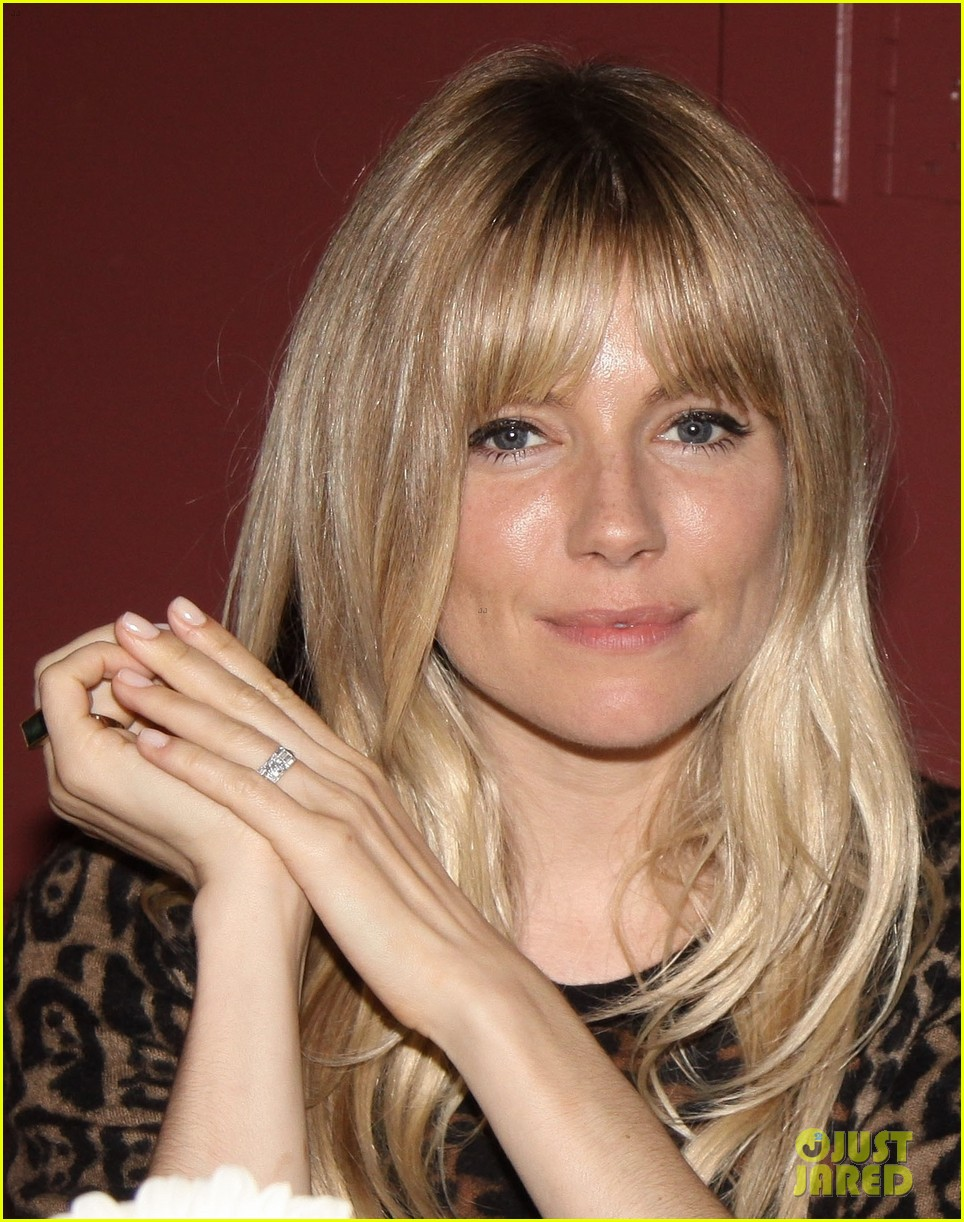sienna miller tom sturridge outer critics circle awards 082877594