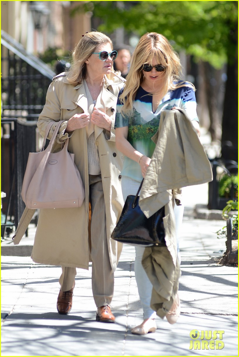 sienna miller lunches with mom tom sturridge is a tony nom 02