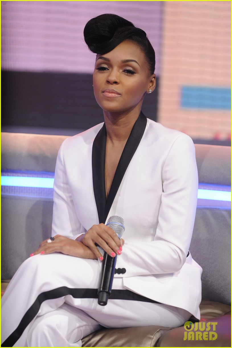 janelle monae q u e e n video premiere watch now 012862312