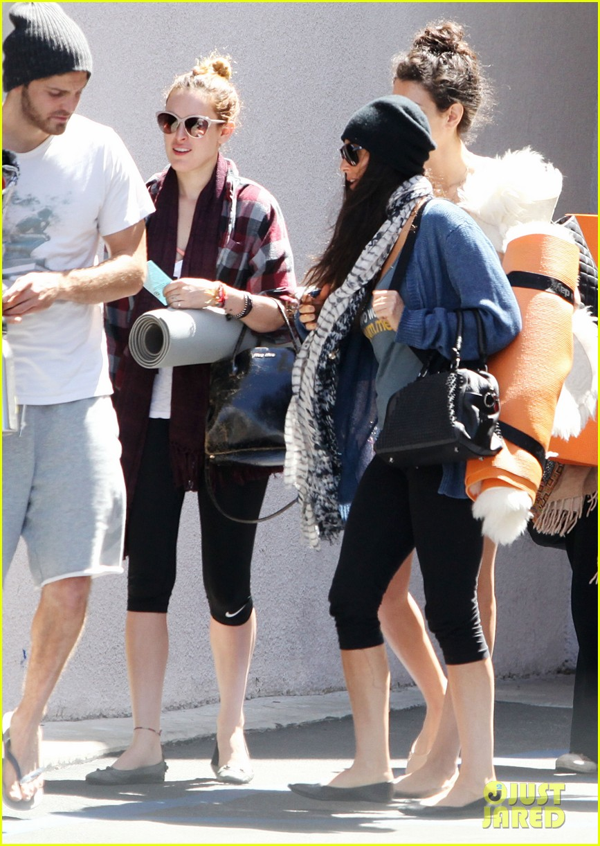 demi moore rumer willis leave yoga class together 242871026