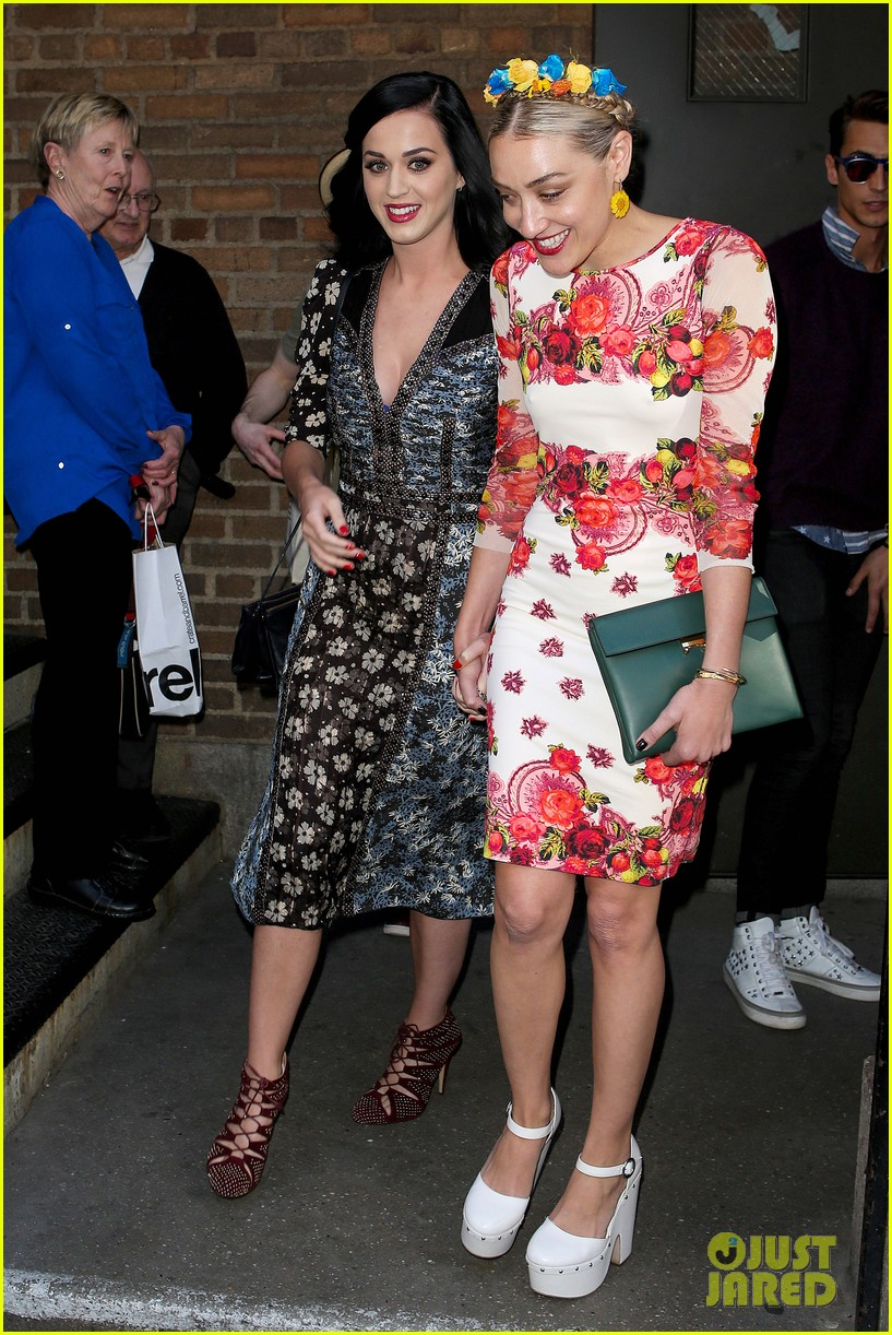katy perry delete cancer gala kinky boots visit 14