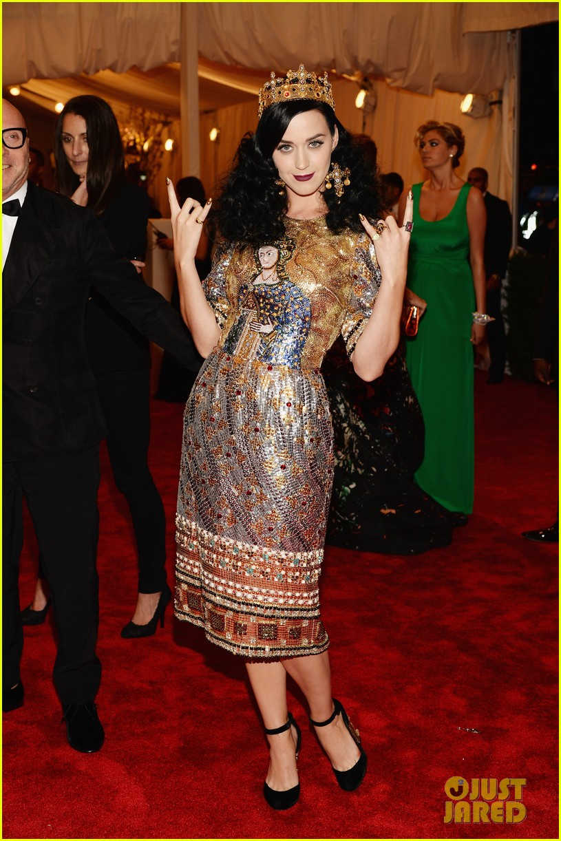 katy perry met ball 2013 red carpet 052865247