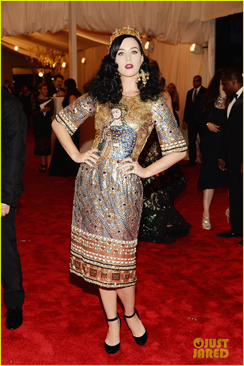 katy perry met ball 2013 red carpet 06
