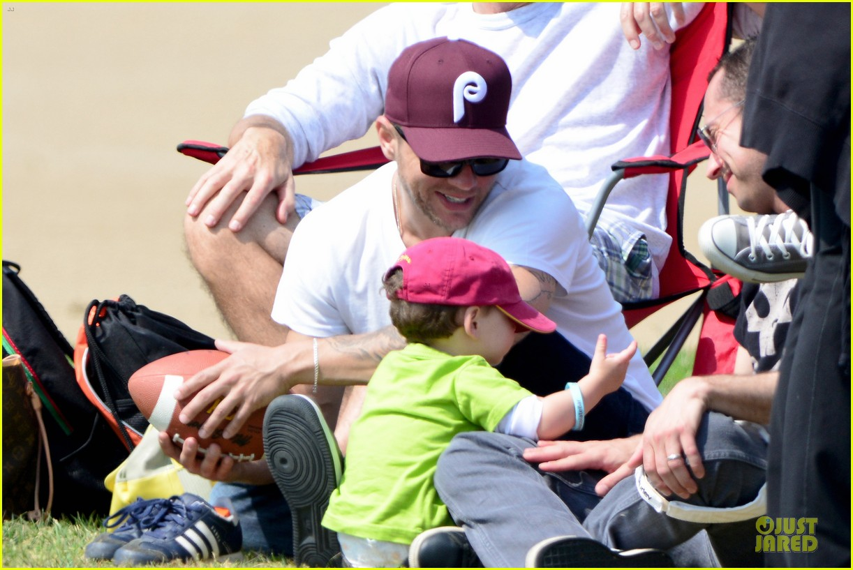ryan phillippe abs flashing at deacon football game 092863597