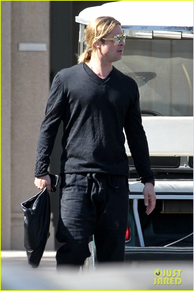 brad pitt steps out after angelina jolie double mastectomy 18