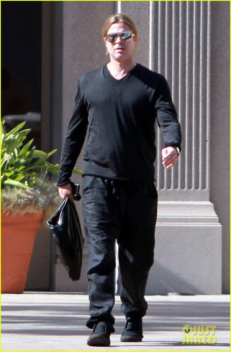 brad pitt steps out after angelina jolie double mastectomy 232871187