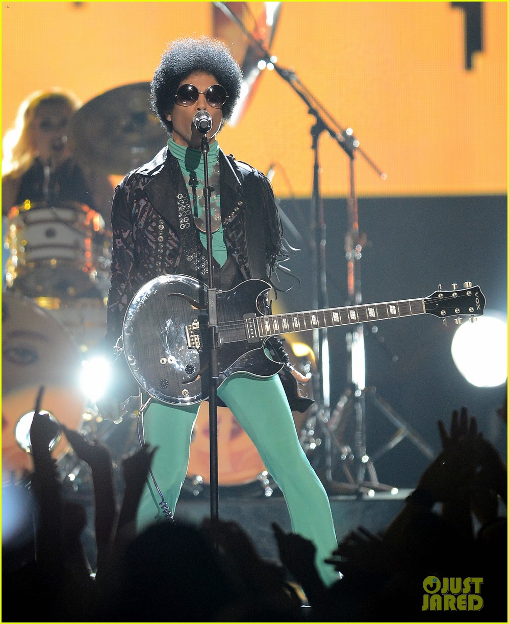 prince billboard music awards 2013 performance video 09