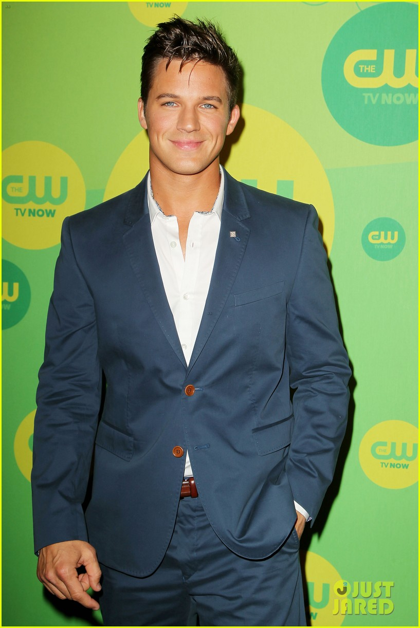 robbie amell matt lanter present new shows at cw upfront 16