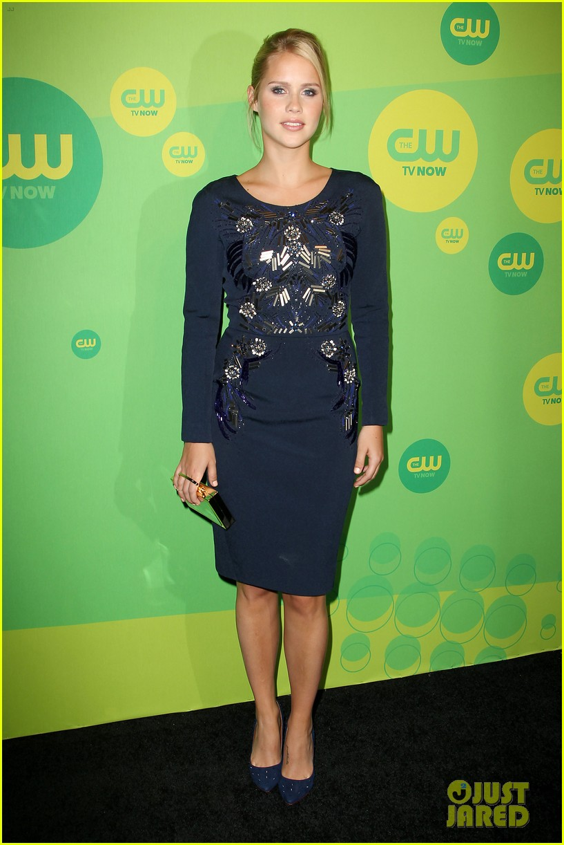 robbie amell matt lanter present new shows at cw upfront 30