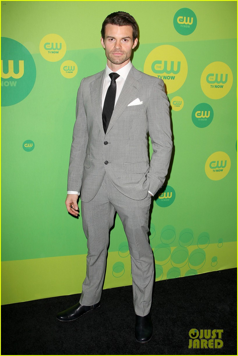 robbie amell matt lanter present new shows at cw upfront 392871888
