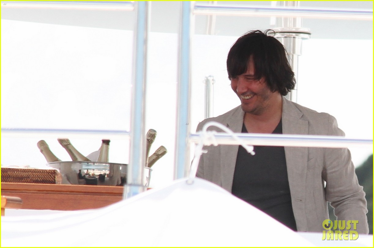 keanu reeves man of tai chi cannes photo call 15