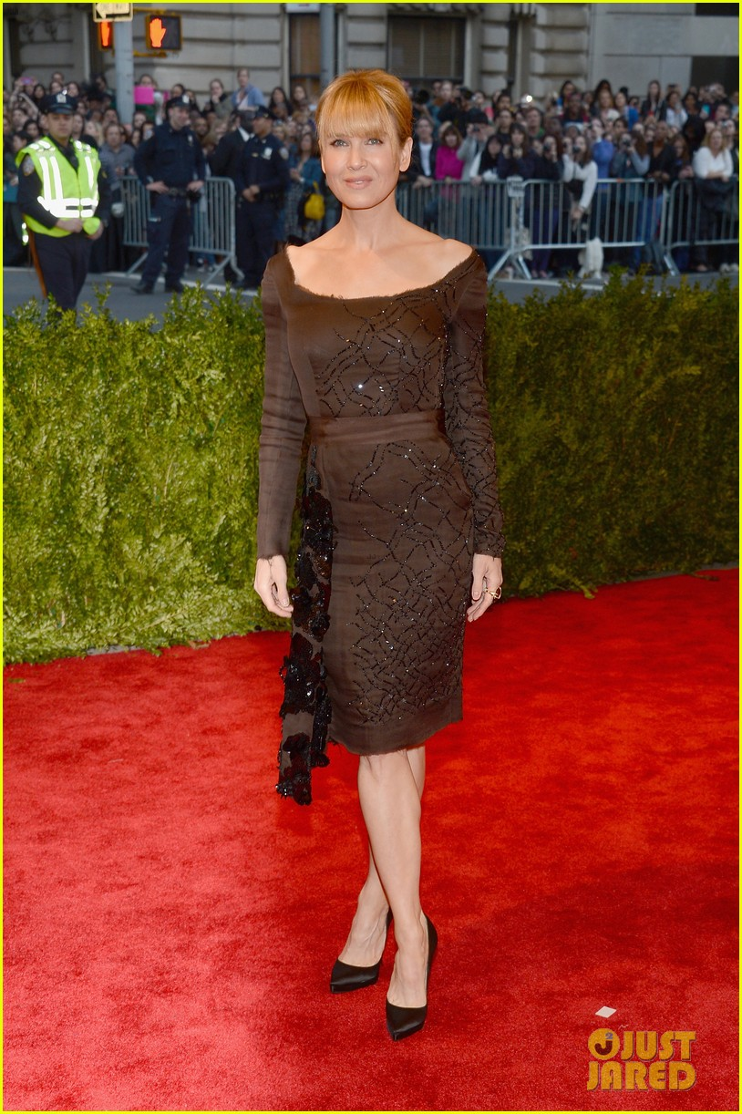 renee zellweger met ball 2013 red carpet 032865621