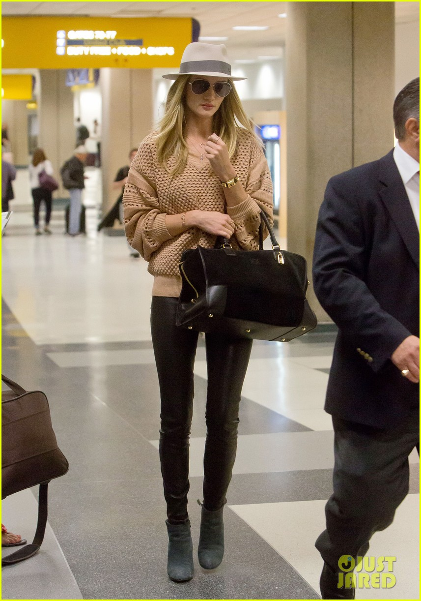 rosie huntington whiteley lax after great photoshoot 02
