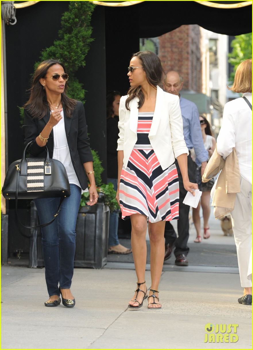 zoe saldana marco perergo kiss hold hands in italy 062879394