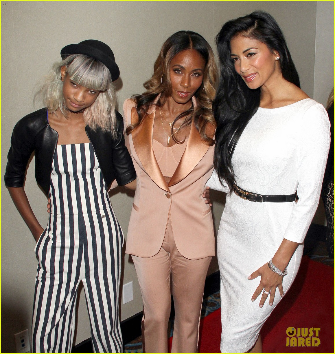 willow smith white hair on red carpet with mom jada 232867648