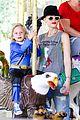 gwen stefani los angeles zoo bonding with zuma 28
