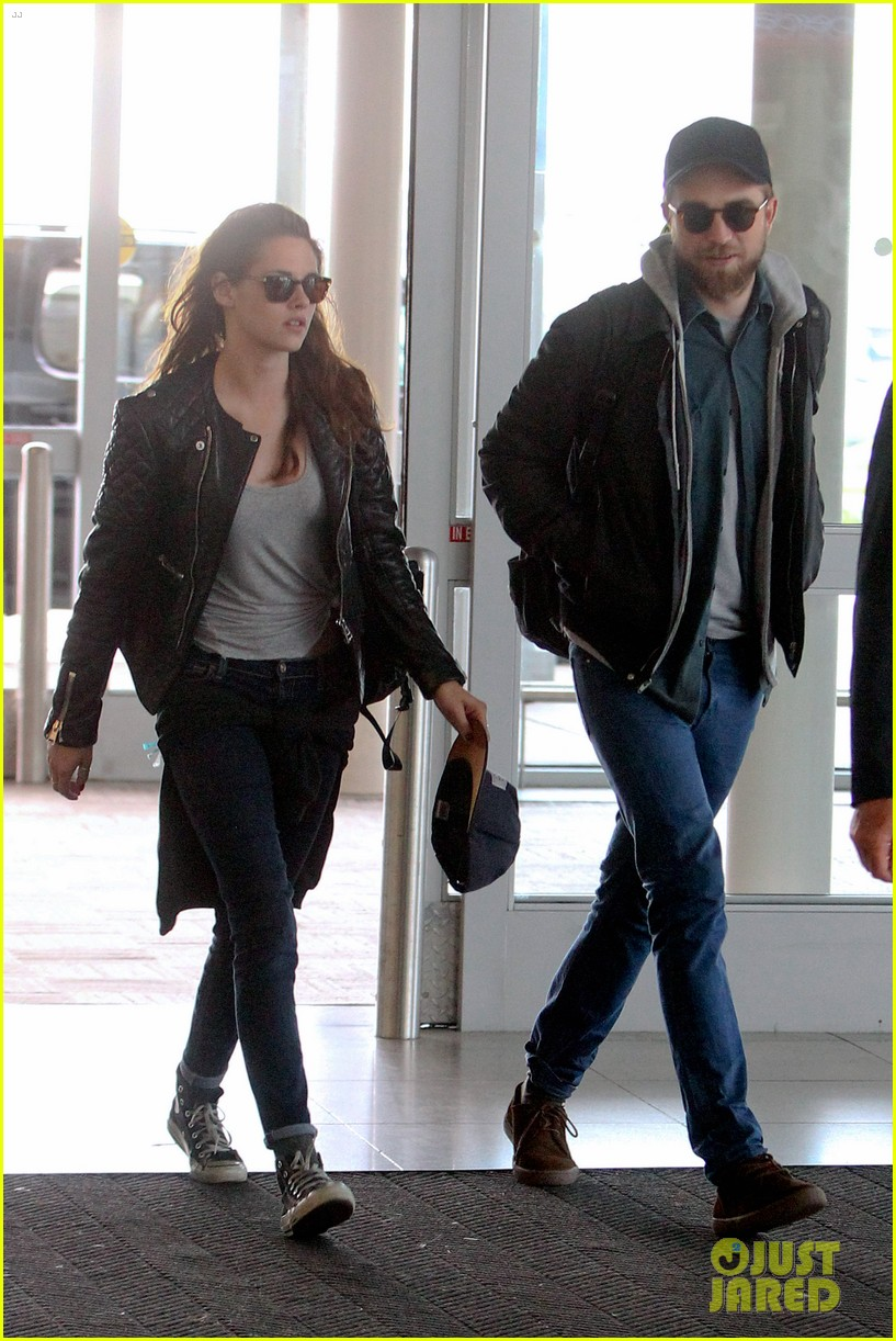 kristen stewart robert pattinson spotted together in nyc 01
