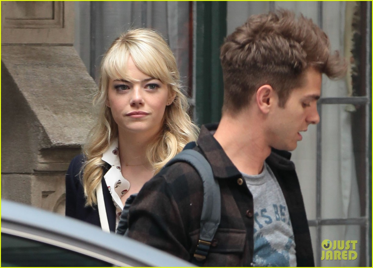 emma stone andrew garfield day 82 on spider man 2 set 022880337
