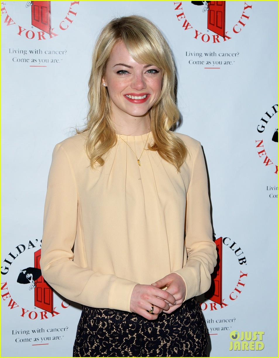 emma stone gildas club event for cancer awareness 12