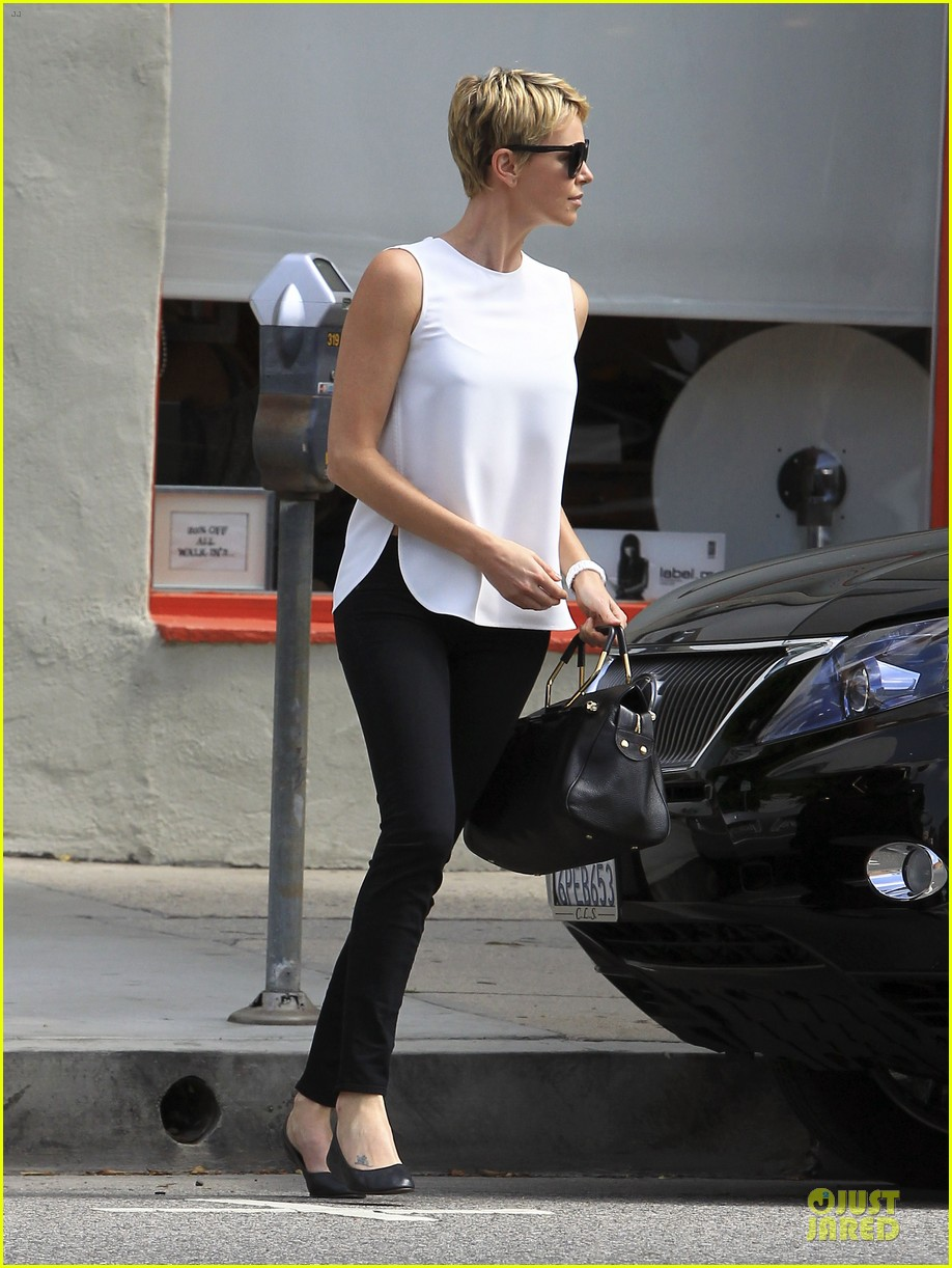 charlize theron inspires selena gomez with fashion 032872574