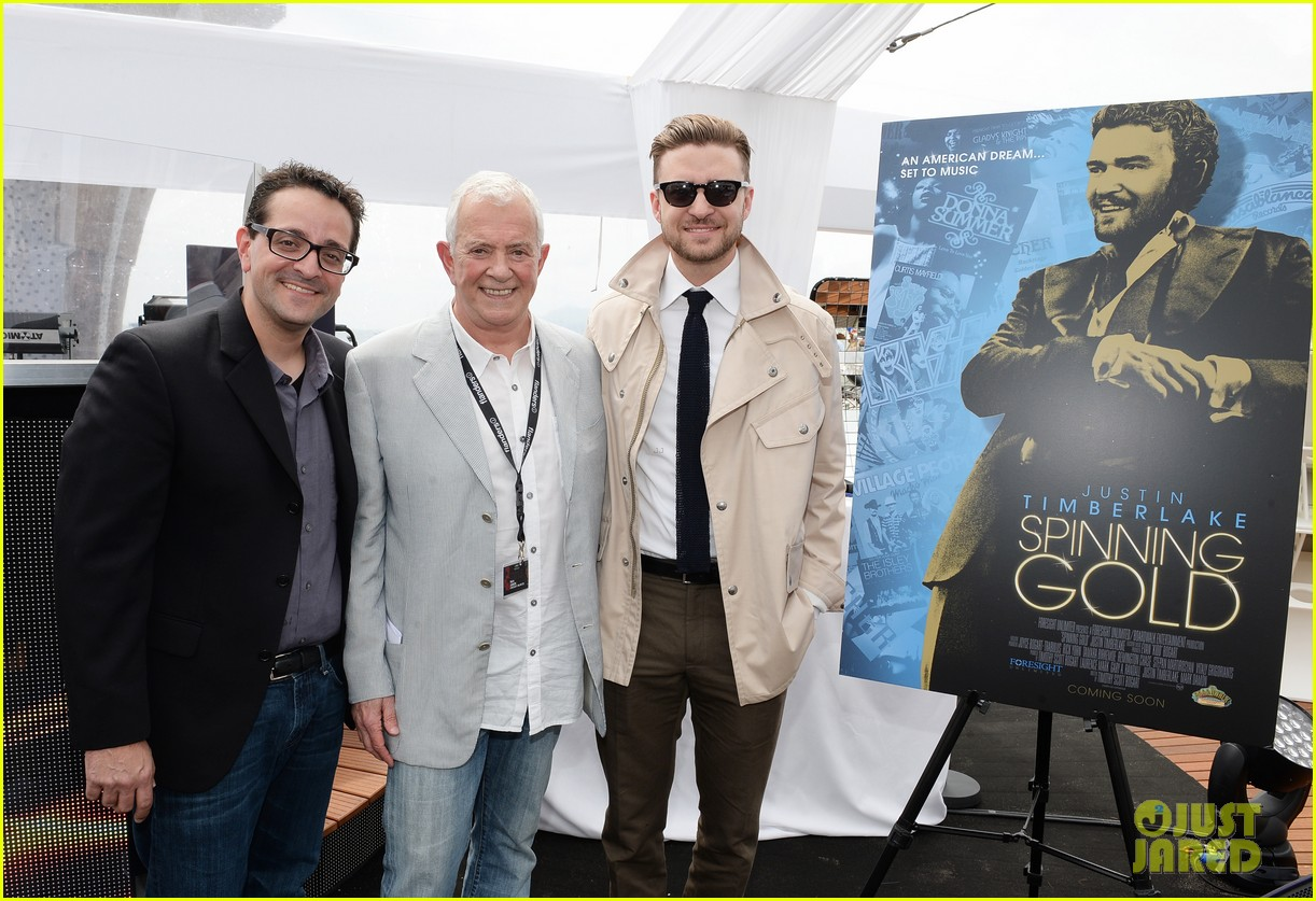 justin timberlake torch cannes spinning gold celebration 02