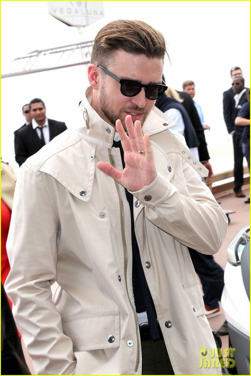 justin timberlake torch cannes spinning gold celebration 08