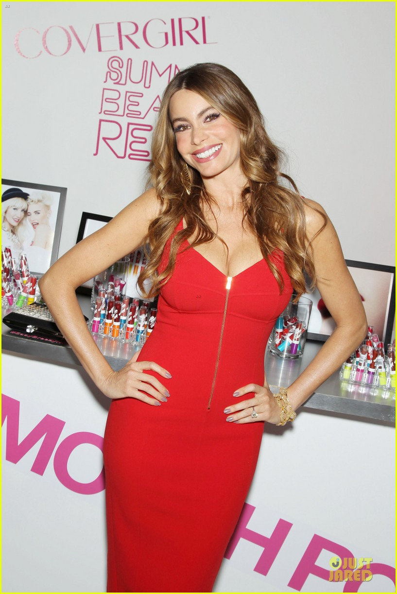sofia vergara covergirl summer launch party 022875722